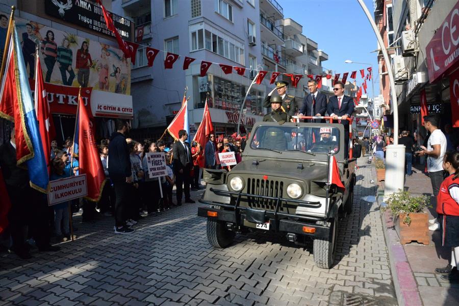 Menemen'de Cumhuriyet Bayramı coşkusu
