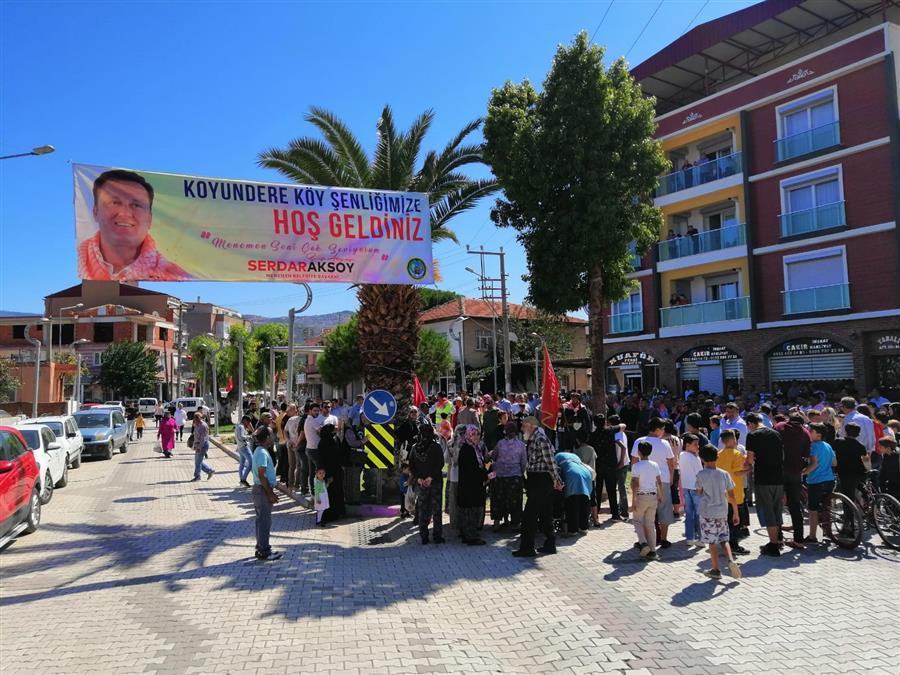 """İzmirliler """"Koyundere Köy Şenliği""""nde buluştu"""