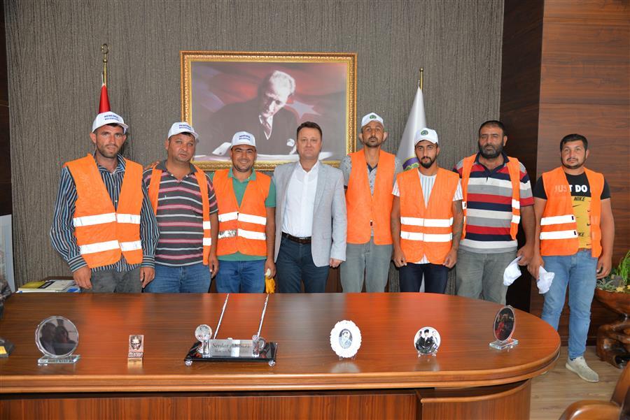 Menemen Belediye Başkanı Serdar Aksoy faytonculara sahip çıktı