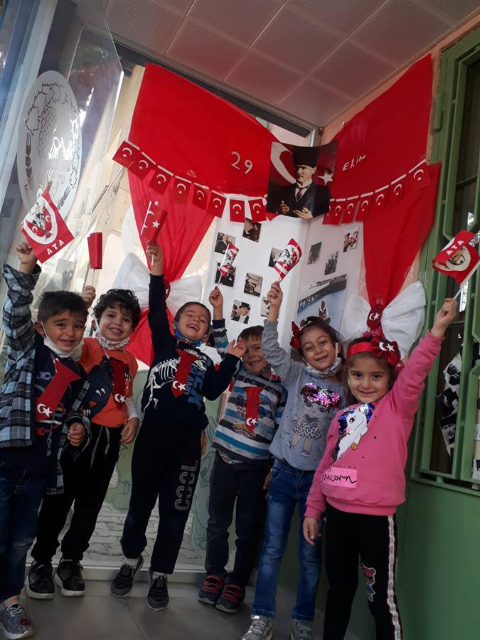 Çocuk Oyun Evlerimizde 29 Ekim Cumhuriyet Bayramını kutladık.