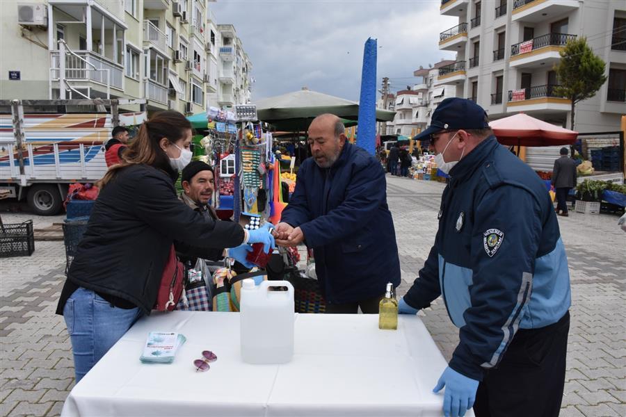 Menemen Belediyesi'nin Koronavirüs mücadelesi Perşembe Pazarı'nda devam ediyor
