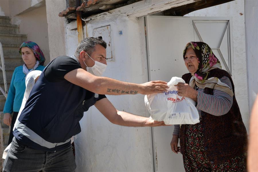 Menemen Belediyesi zor durumdaki vatandaşları yine unutmadı