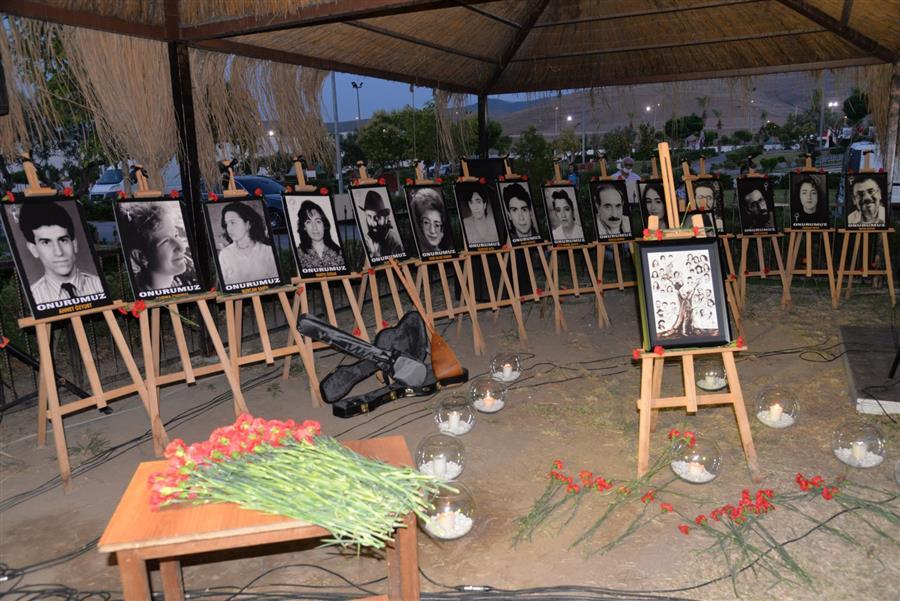 Menemen Sivas katliamında ölenleri andı