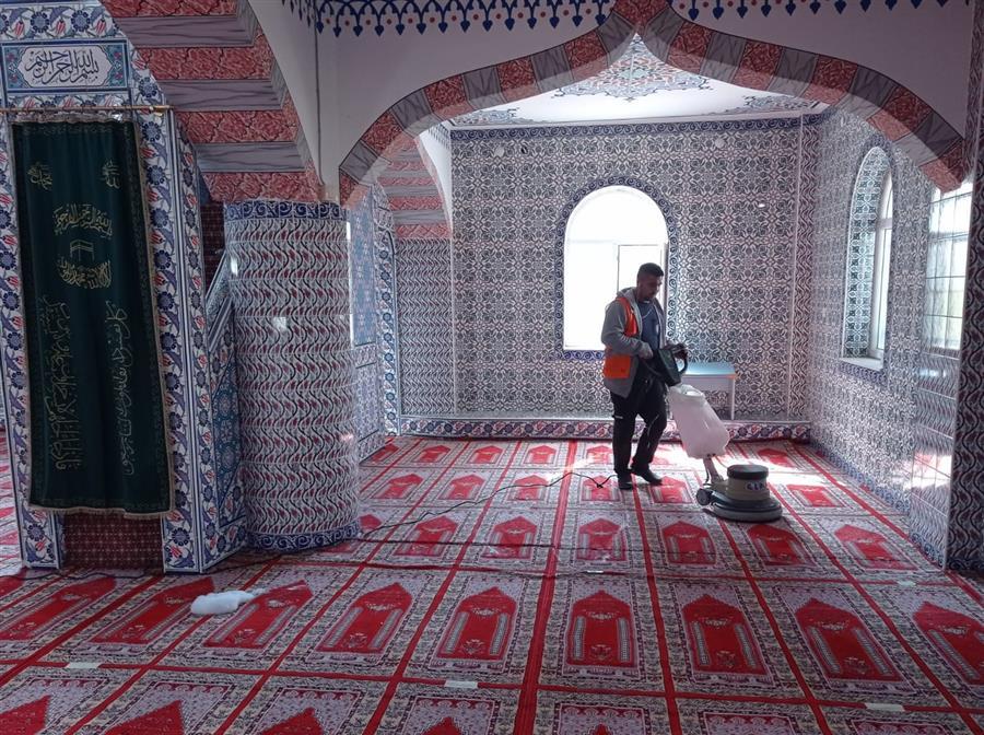 Menemen'de ibadethaneler Ramazan ayına hazır